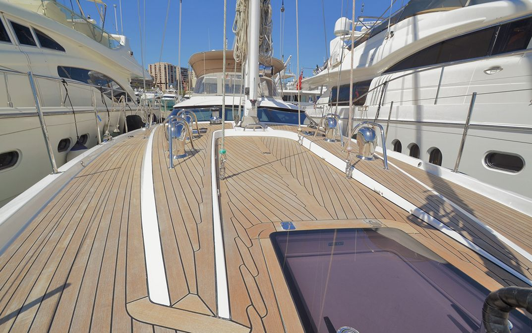 Foredeck facing aft