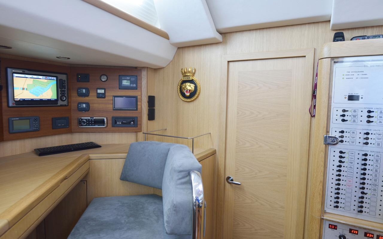 oysteryachts charter 625 tiger chart table 1680x1050