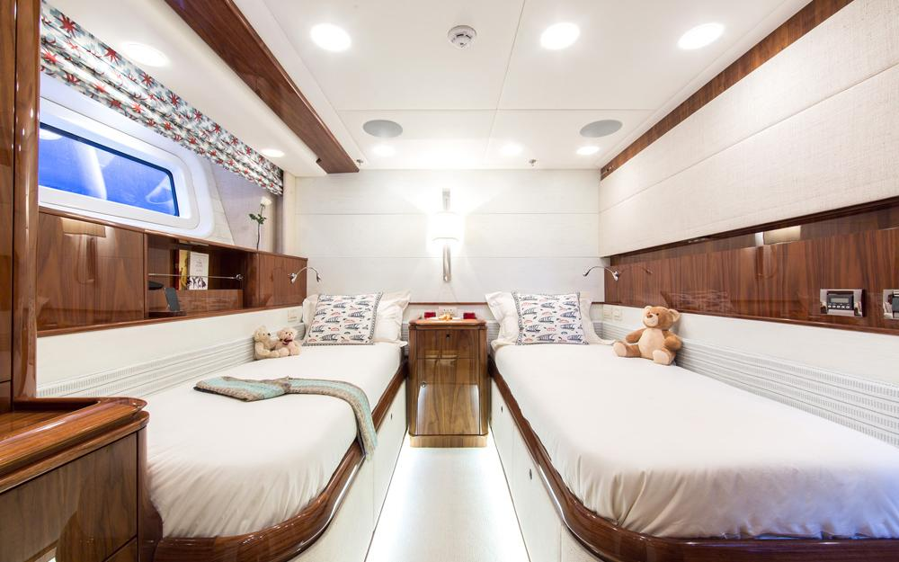 oysteryachts previousmodels 100 penelope gallery 4