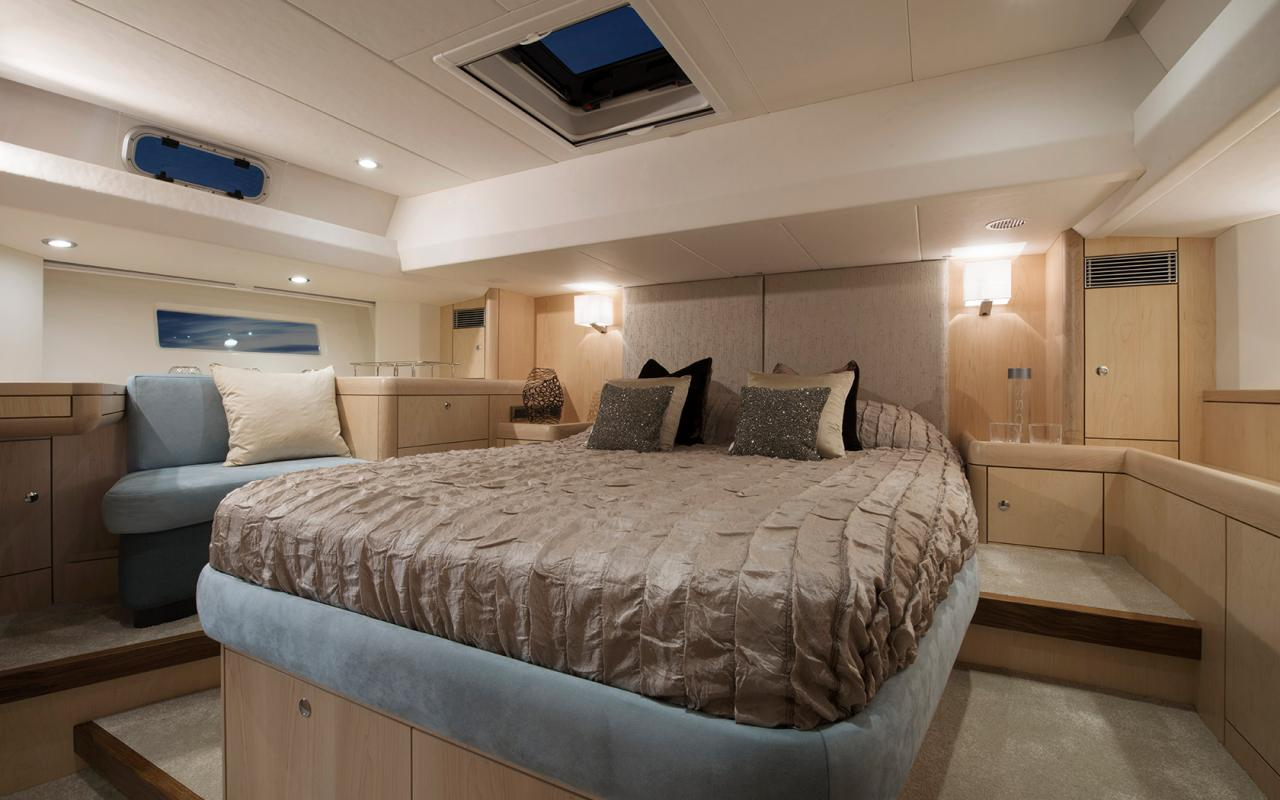 oysteryachts 545 interior 003