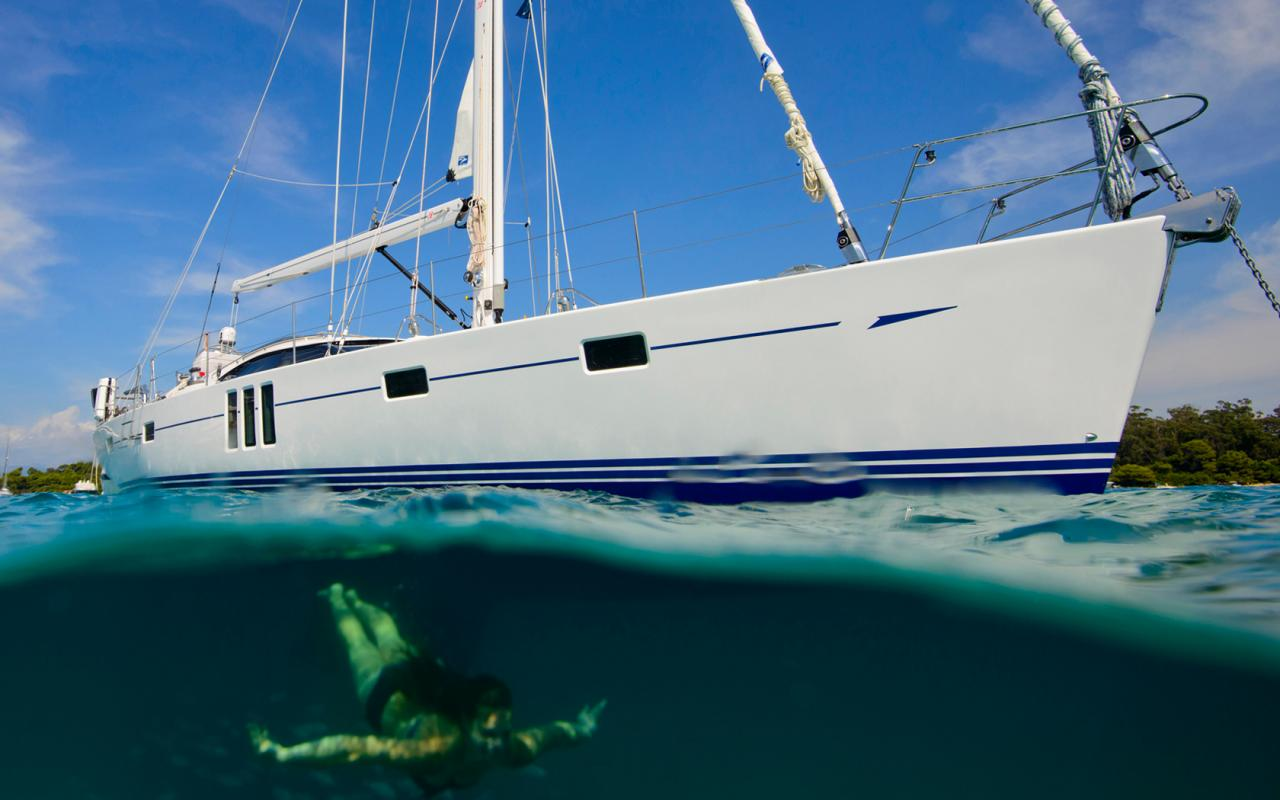 oysteryachts yachts 575 anchored diving 1680x1050
