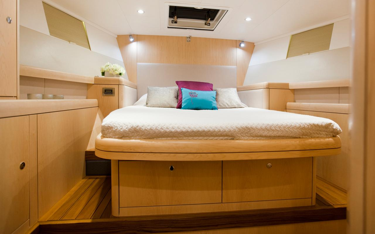 oysteryachts yachts 625 fwd cabin 1680x1050