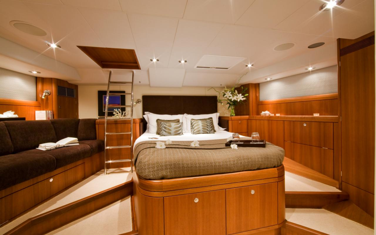 oysteryachts previousmodels 72 12