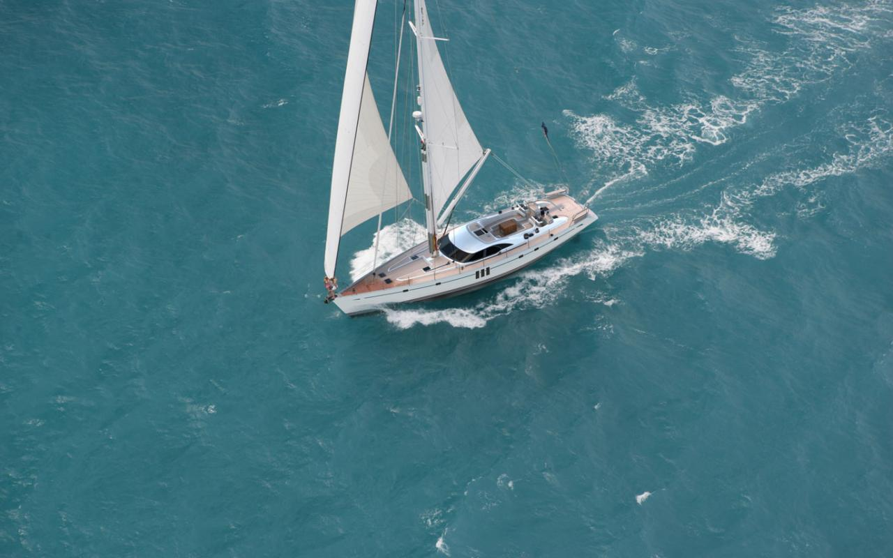 oysteryachts previousmodels 725 sailing 1