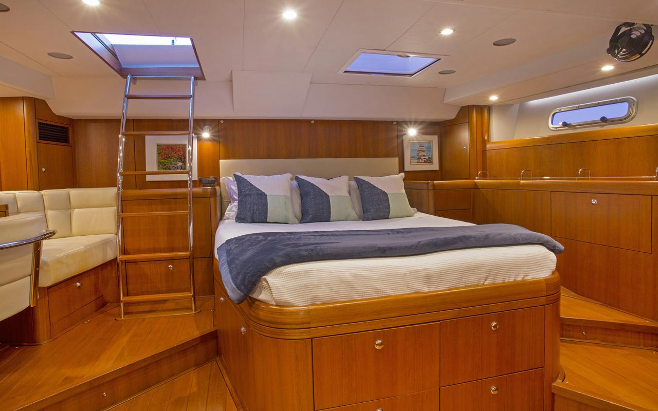 Oyster yachts brokerage Magrathea saloon aft cabin