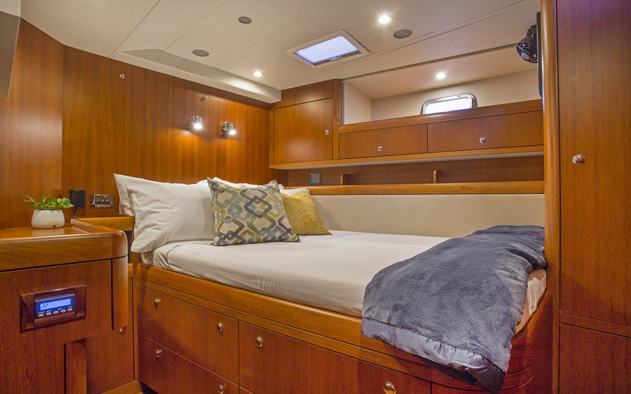 Oyster yachts brokerage Magrathea saloon guest 1