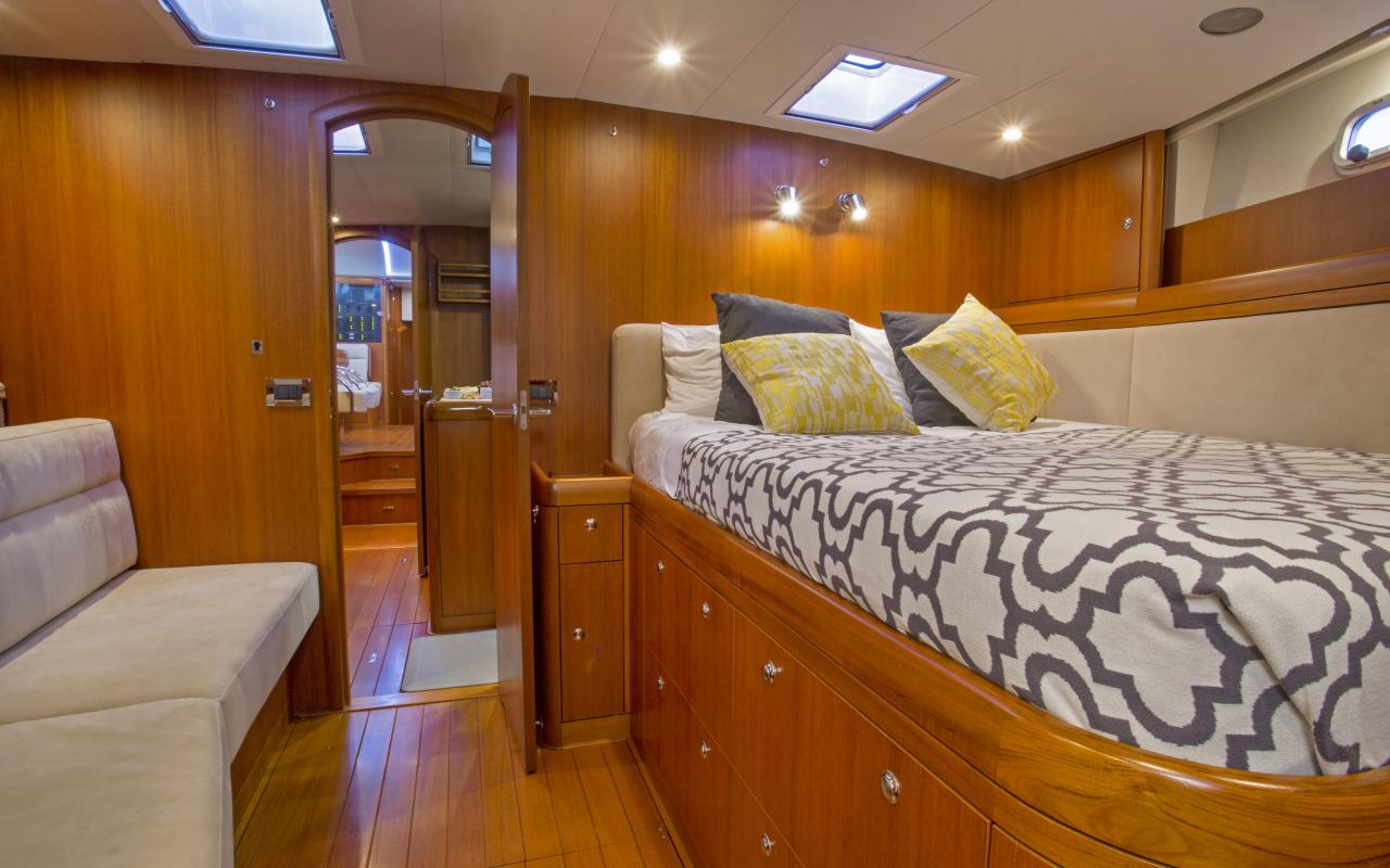 Oyster yachts brokerage Magrathea saloon guest 2
