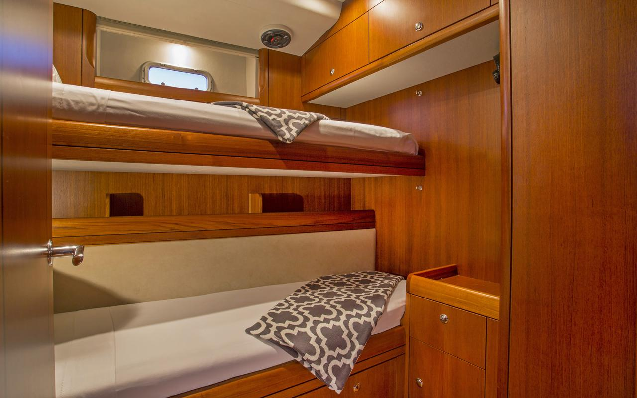 Oyster yachts brokerage Magrathea saloon twin room