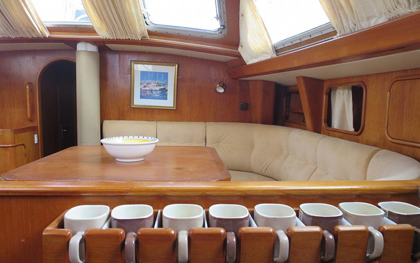 oysteryachts brokerage 55 02 icenic interior006 860x600 2