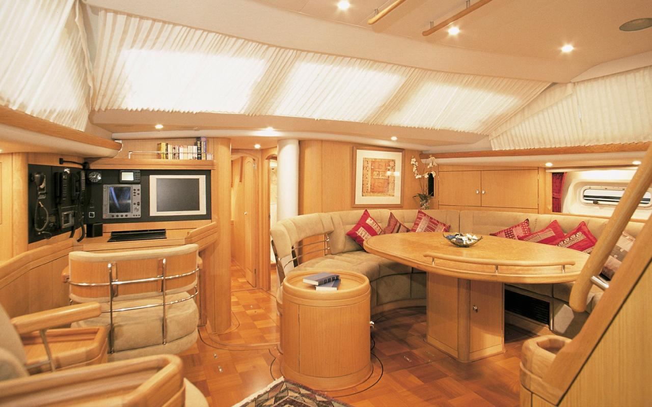 oysteryachts brokerage 62 01 pearlfisher interior001 1680x1050