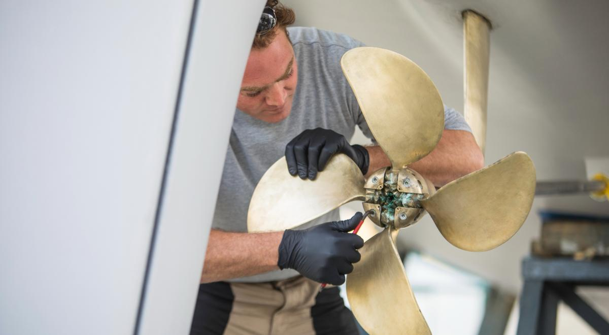 Oyster Yachts Sailing Yacht Repair - Propeller Checks
