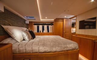 Oyster 565 Sailing Yacht Master Bedroom Suite