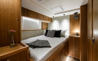 Oyster 675 Double Guest Cabin