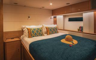 Oyster 745 75 Foot Sailing Yacht Interior 10
