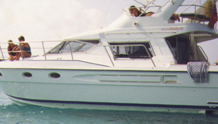 Oyster Powerline 390 Heritage Yacht